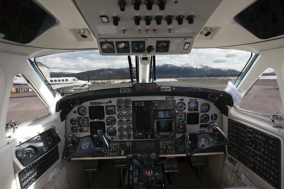 BE3B-Cockpit