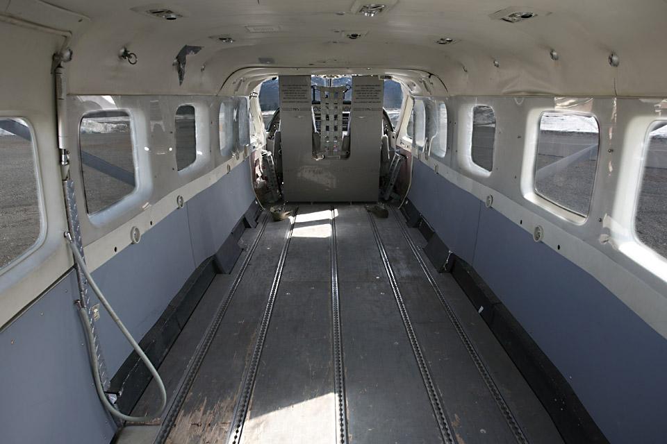 C208B-Cabin-1